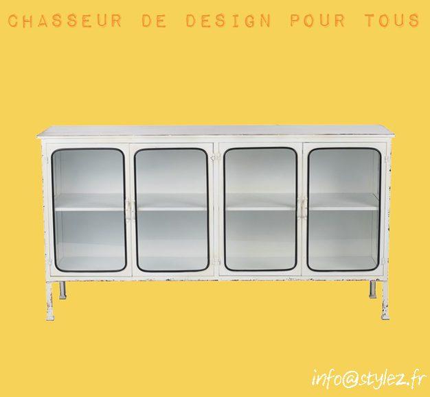 Buffet industriel avec porte vitrée en métal blanc (1)