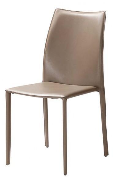 chaise cuir teinte marron