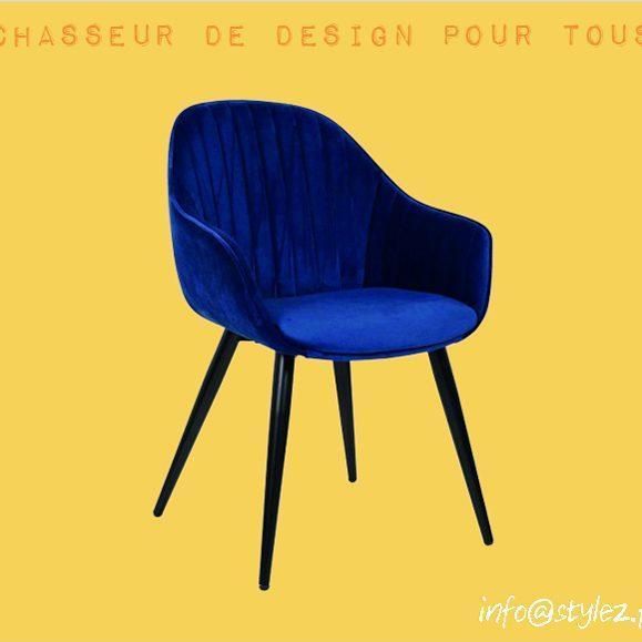 chaise bleue électrique vintage design