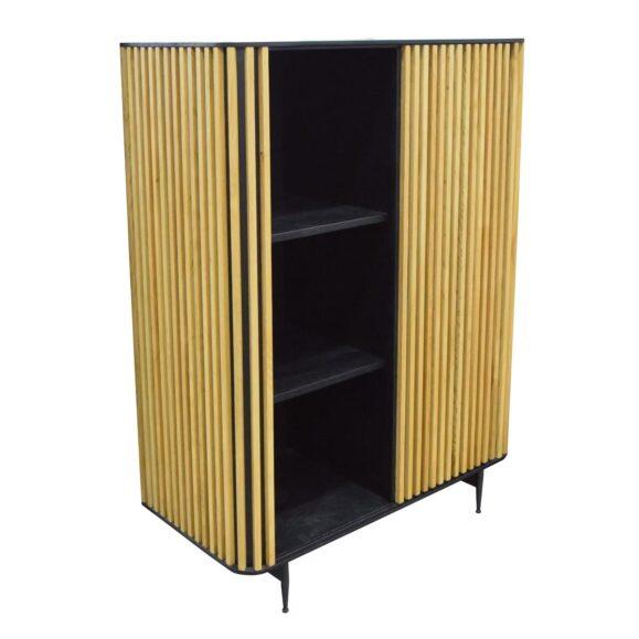 armoire noire et bois naturel