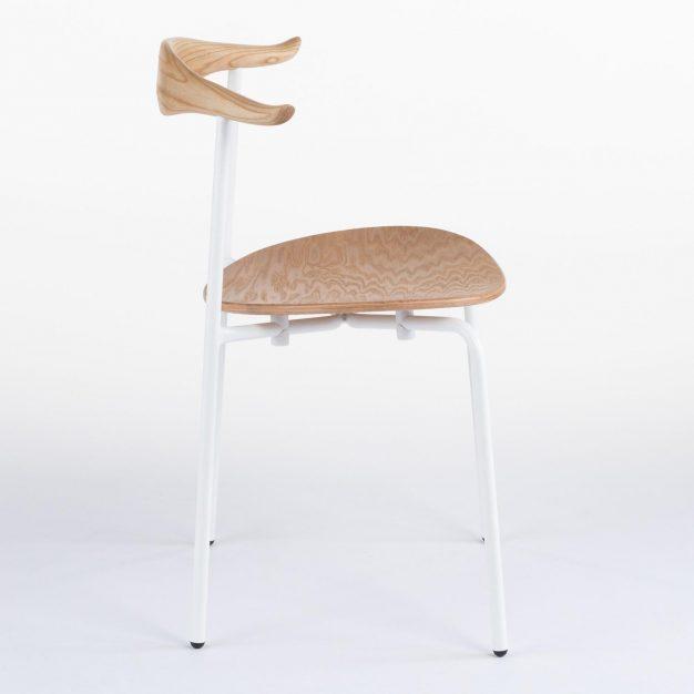 chaise blanche bull