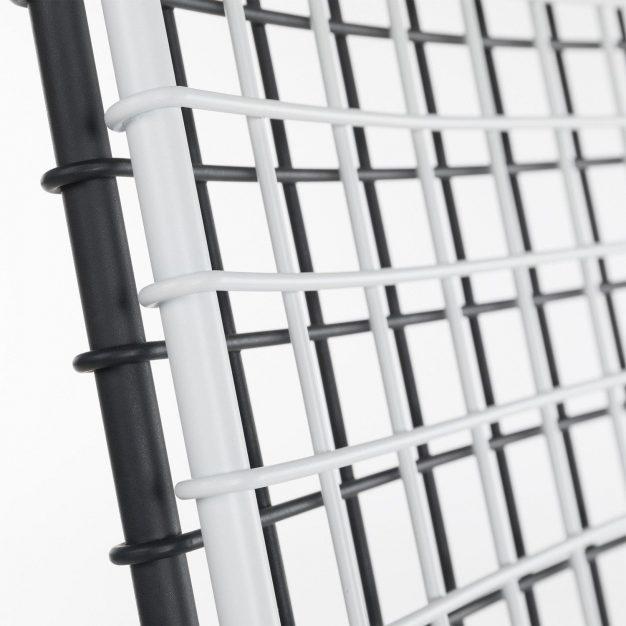 chaise noire et blanche métal